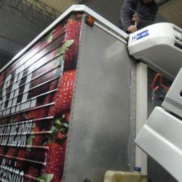 Instalación de equipos de refrigeración flota de camiones frutas alimentos