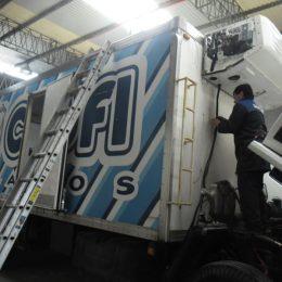 Instalación de equipos de refrigeración flota de camiones helados