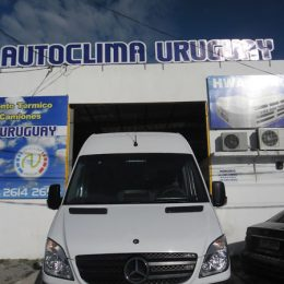 Instalación de equipos de aire acondicionado minibuses