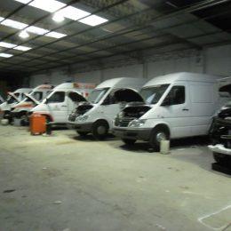 Instalación de equipos de aire acondicionado flota minibuses